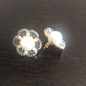 kate spade Jewelry - Kate Spade navy and pearl floral earrings